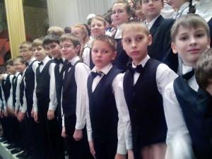 Хор мальчиков МЭЛ на сцене театра оперы и балета